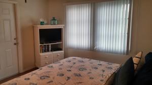 #25 condo 83 bedroom