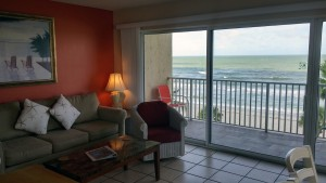 beach-condo-504-living-area