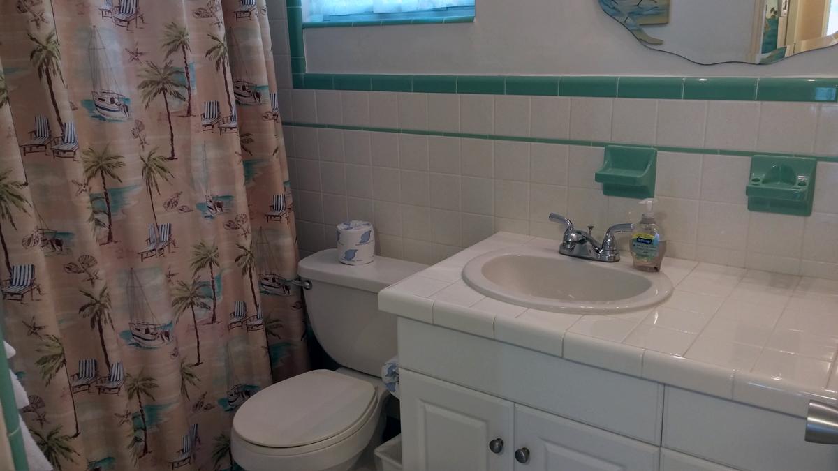 condo 72 bathroom