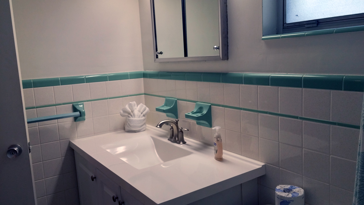 condo 73 bathroom