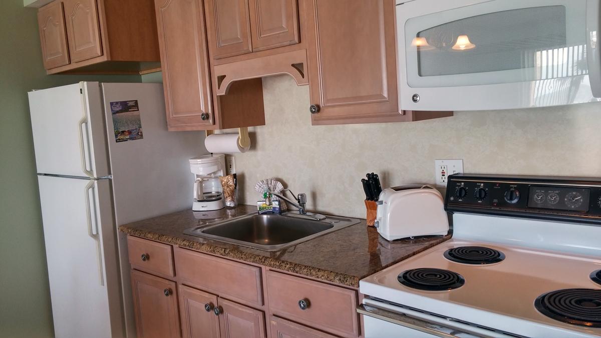 condo 202 kitchen