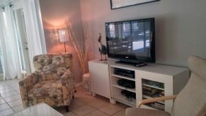 #10 condo 81 living room