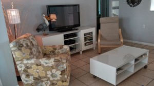 #11 condo 81 living room