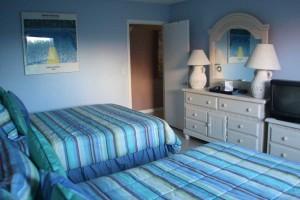 bed2_turtlecrawlinn104
