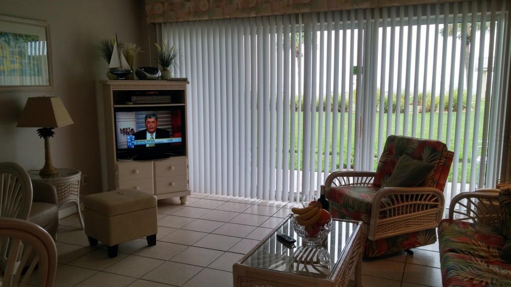 condo-103-livingroom2