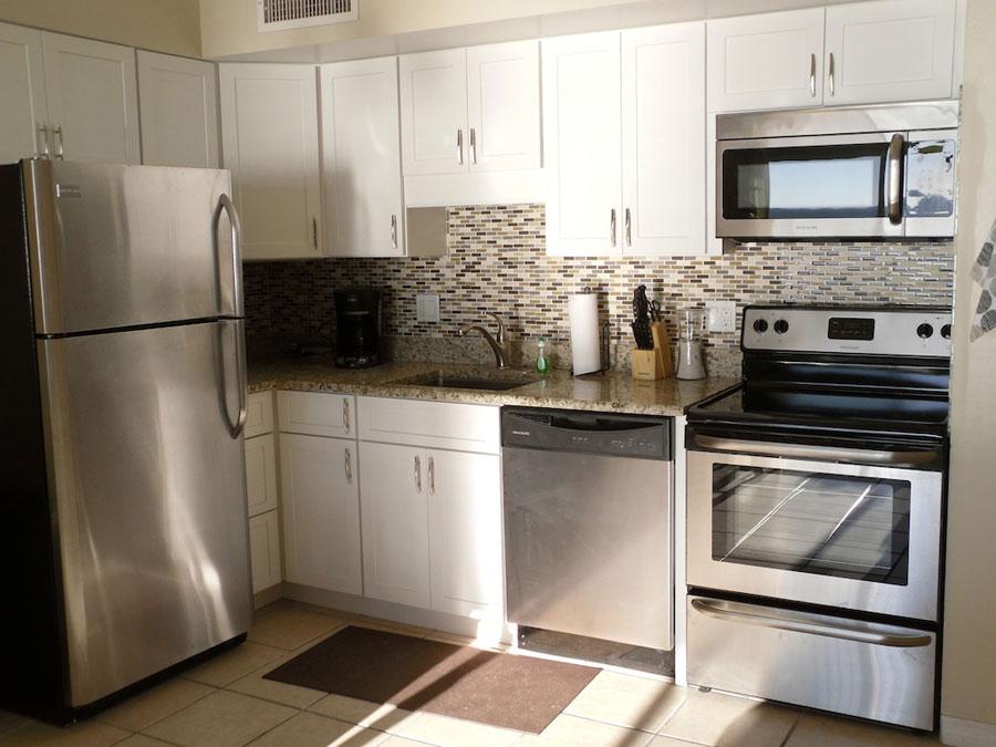 condo 402 kitchen
