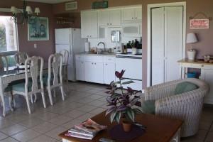 kitchen2_turtlecrawlinn104
