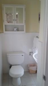 81-bathrooms