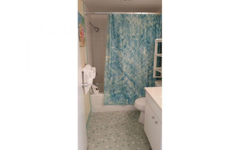 501-Bathroom2