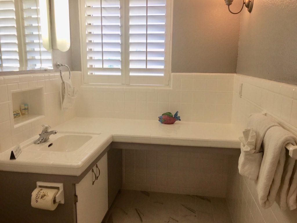 beach condo guest bath villa 84