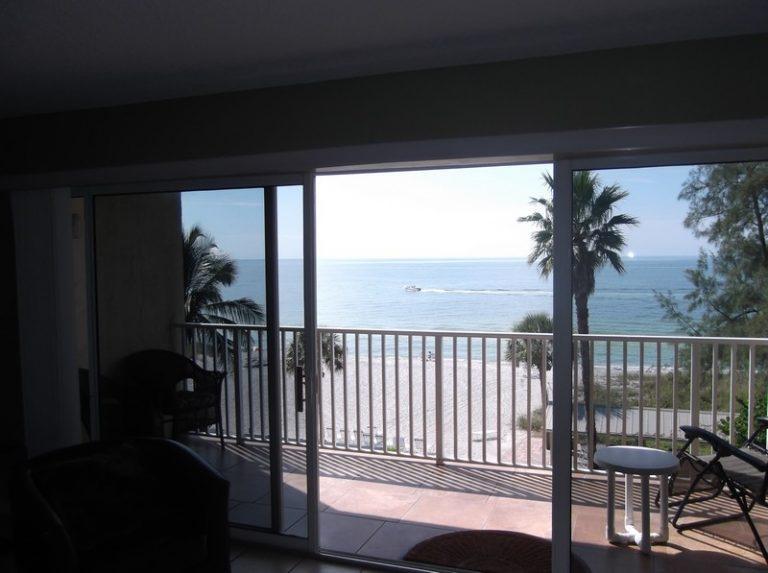 turtle404_03_balcony