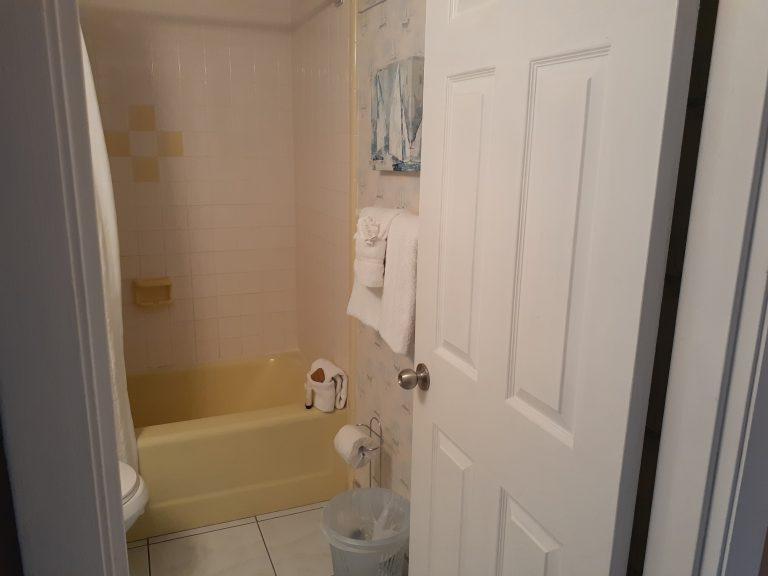 104 Bathroom 2
