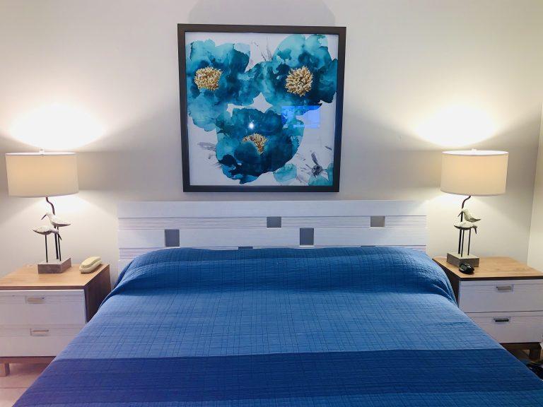 102 Bedroom 1-King Bed