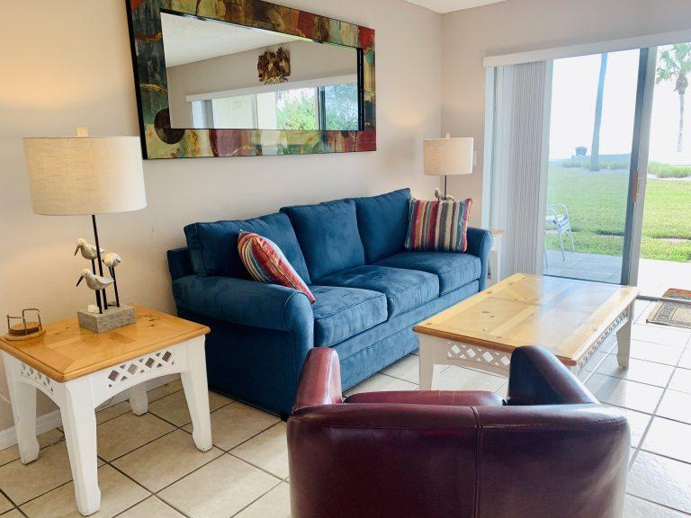 102 Living room1