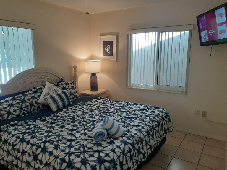 Villa#81 Bedroom New Lamps 1