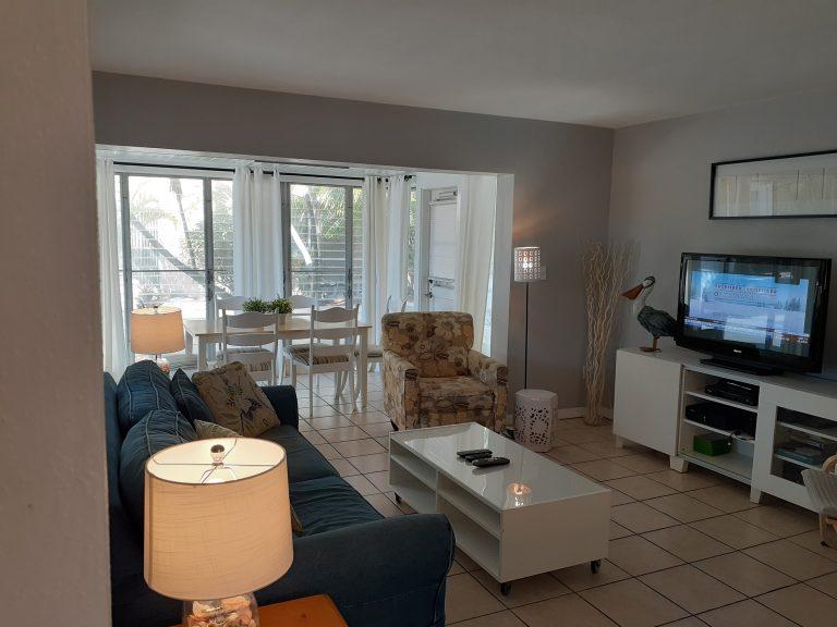 Villa#81 Livingroom dinning room New Lamps Nov 2019
