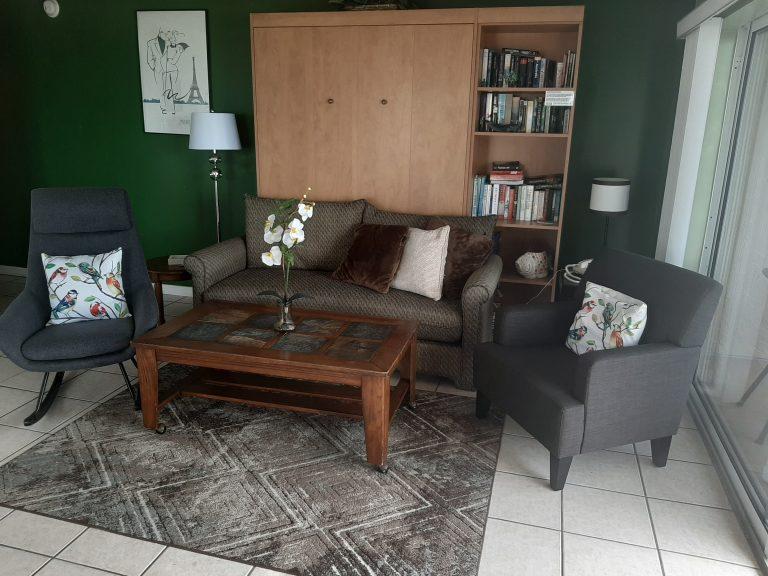 404 Livingroom1.jpeg