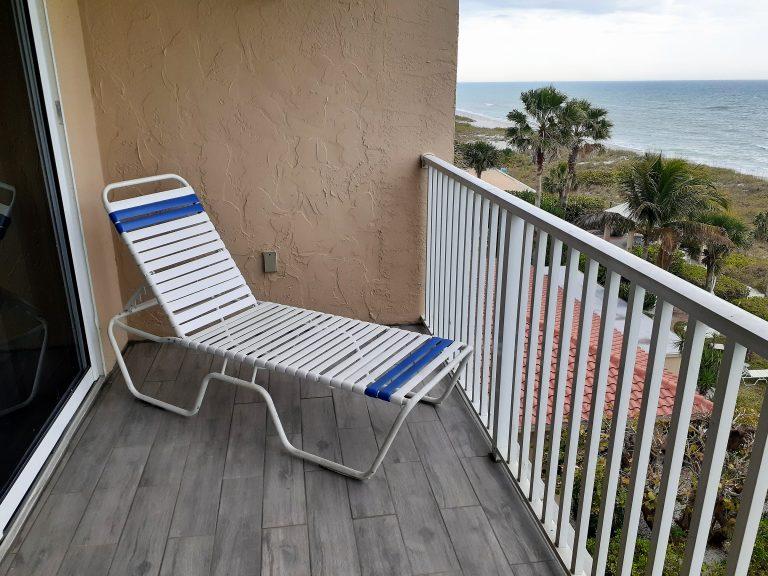502 Balcony Lounge 2020 (2)