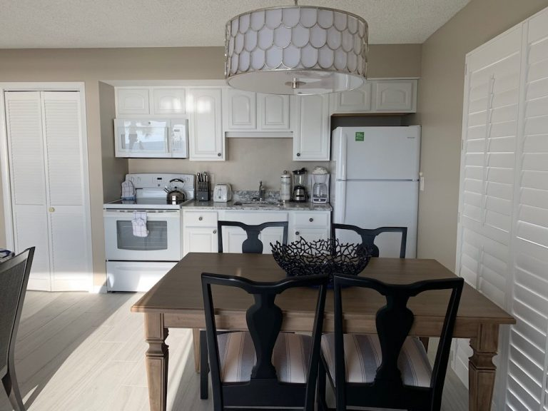 201-Dining table, kitchen