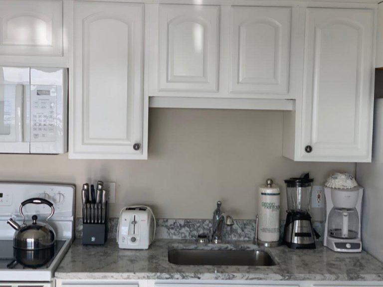 201-Kitchen counter