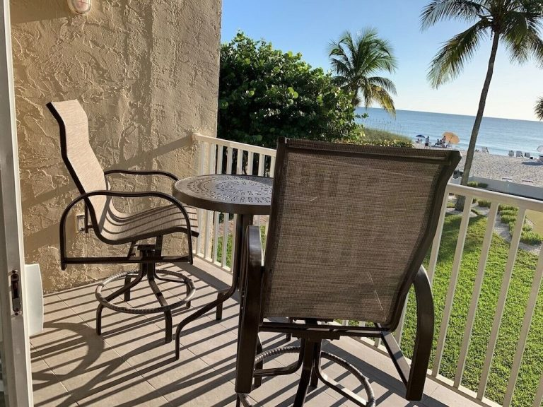 201-Patio furniture and view